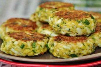 Котлеты из яиц с зеленью. Выглядит закуска на миллион долларов, а по вкусу — на миллиард!