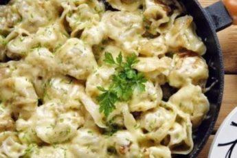 Пельмени жареные под сыром — шикарное блюдо к ужину