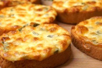 Безумно вкусные сырные гренки «Пятиминутки»