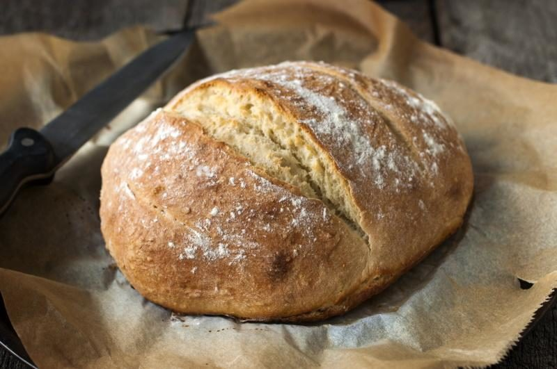 homemade-and-baked-white-bread-covered-with-flour