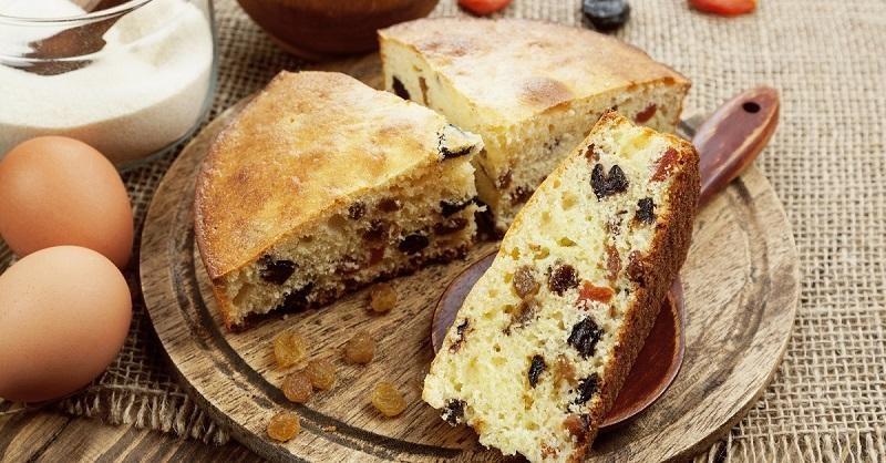 mannik-semolina-cake-with-dried-fruits