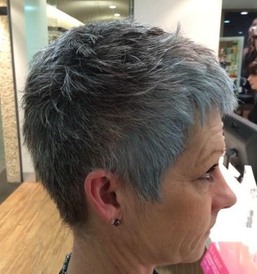 16-short-gray-pixie-for-straight-hair-1-4097418