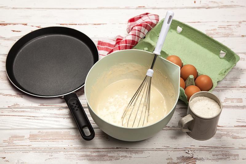 preparing-batter-for-pancakes