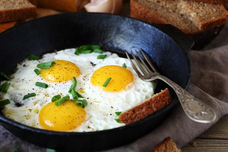 hot-fried-eggs-in-a-pan