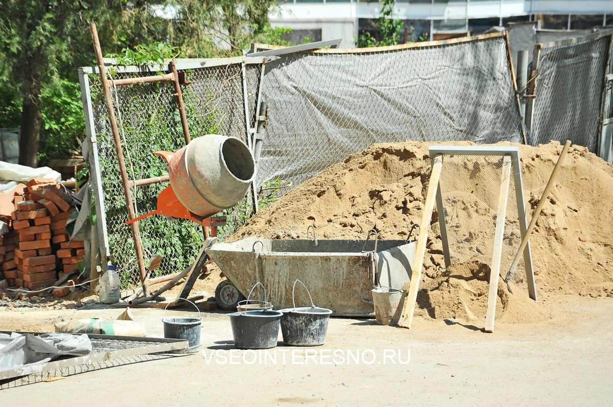 concrete-mixer-tool-on-building-construction-site