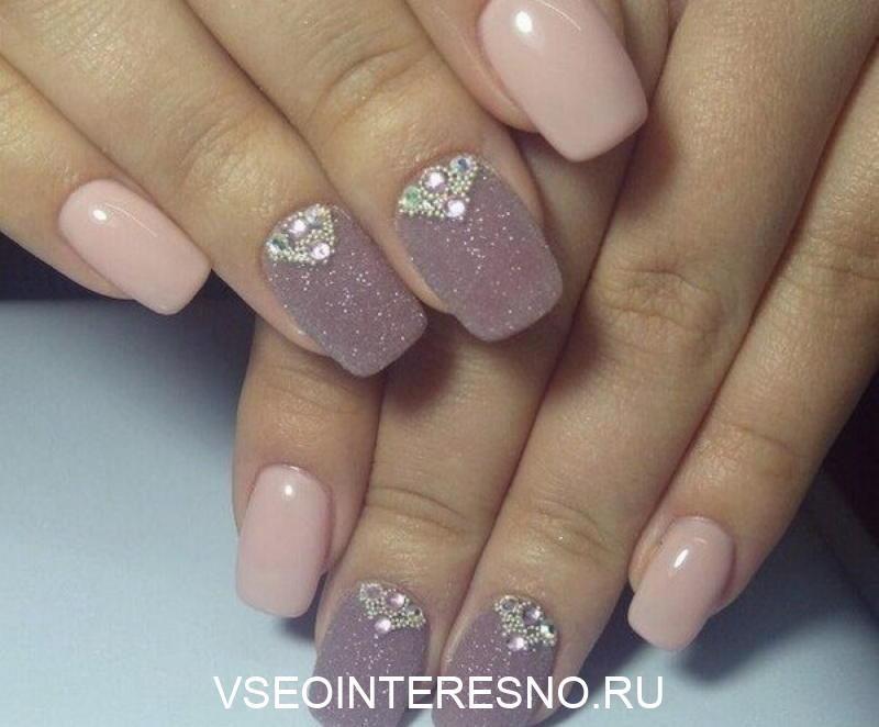 nezhnyj-nyudovyj-manikyur-16-6572451