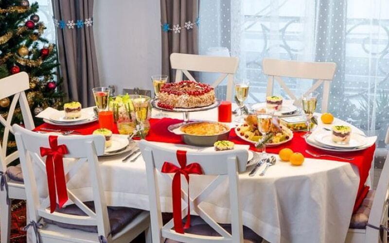 servirovka-novogodnego-stola-2020-goda-oformlenie-11-9812259