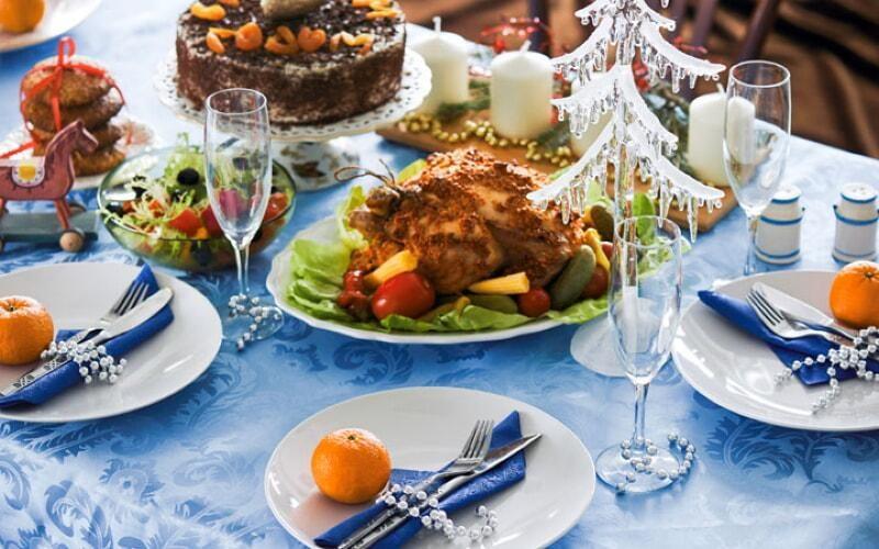servirovka-novogodnego-stola-2020-goda-oformlenie-13-4018223