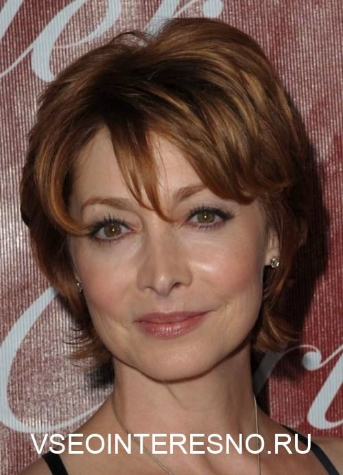 short-hairstyle-for-older-women-1-8507694