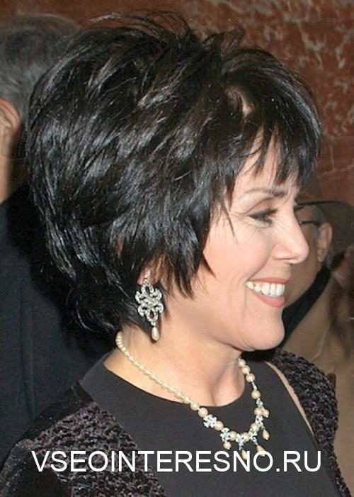 short-hairstyle-for-women-over-50-years-old-1-6163261