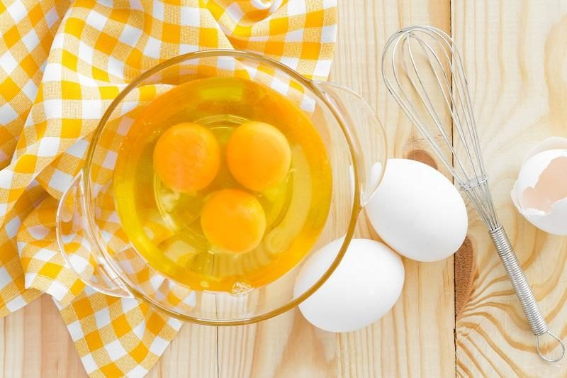 raw-eggs-and-whisk